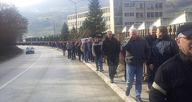 Radnici FAP-a prošetali Pribojem, u 13 časova veliki protest