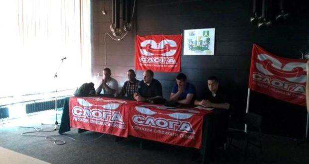 """Veselinović sa članovima sindikata u """"Falc East-u"""""""