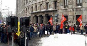 Poštanski radnici održali protest i najavili štrajk do ispunjenja zahteva