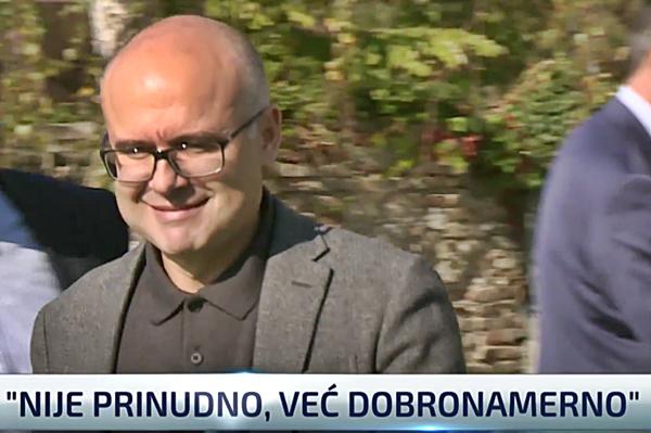 Bruka i sramota: Gradonačelniku Novog Sada Vučeviću otkazi najbolje rešenje!?