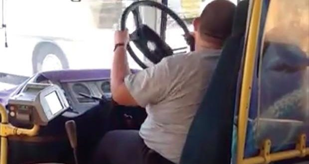 Autobusu GSP u toku vožnje otpao volan