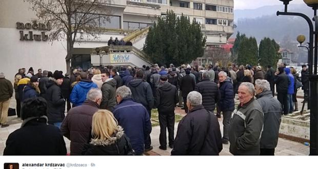 Radnici FAP-a na protestu! FOTO