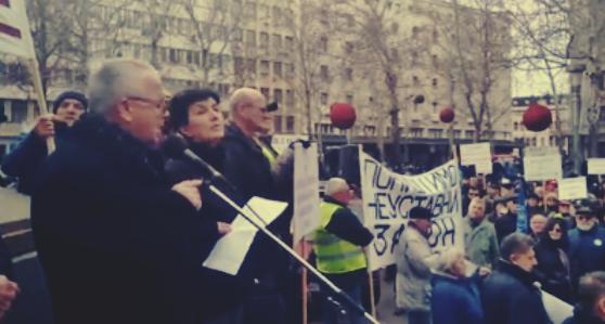 """VIDEO: Protest penzionera """"Stavimo tačku na pljačku"""""""