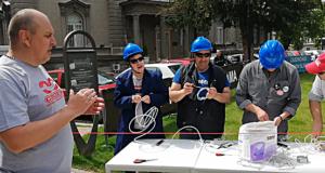 OBRUKALI VUČIĆA Otvorili fabriku kod Predsedništva Srbije, obukli pelene radnicima