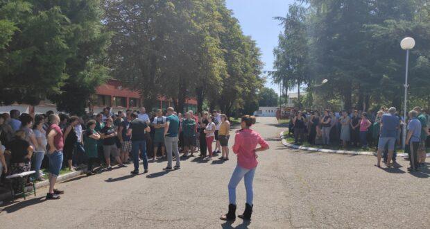 Održan štrajk upozorenja u Falk Istu zbog loše klimatizacije